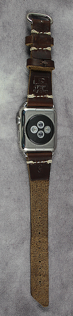 Review: Pad & Quill Bella Fino iPhone Case & Watch Lowry Band-11.png