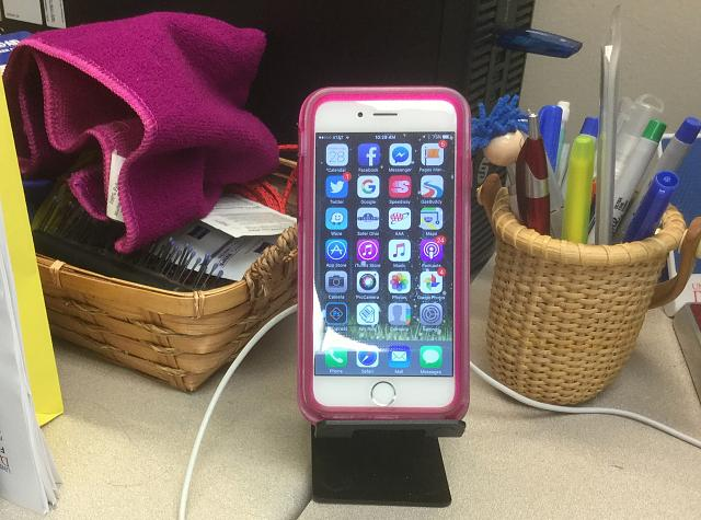 Anyone use charging docks/stands?-img_1661.jpg