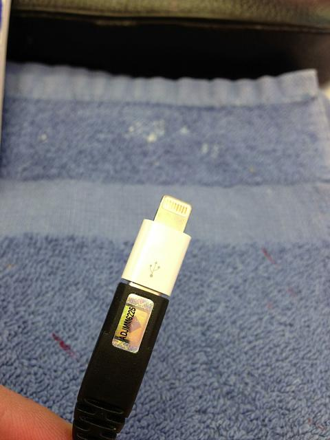 Micro USB to lighting adaptor-imageuploadedbytapatalk1357233758.847133.jpg