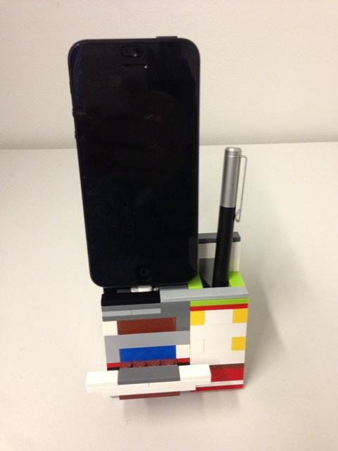 Charging Dock for iPhone 5-imageuploadedbytapatalk1360586987.768584.jpg
