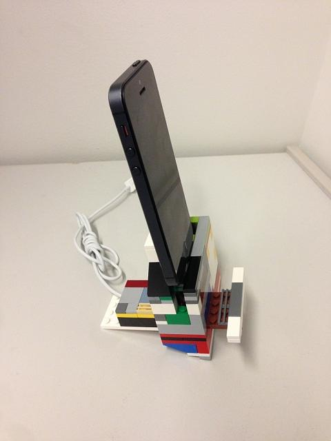 Charging Dock for iPhone 5-imageuploadedbytapatalk1360586995.780193.jpg