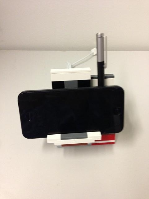 Charging Dock for iPhone 5-imageuploadedbytapatalk1360587050.258058.jpg
