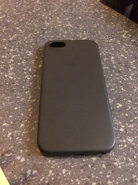 "Question for those with the ""Black"" Apple Leather 5S case-imageuploadedbyimore-forums1384391114.888292.jpg"