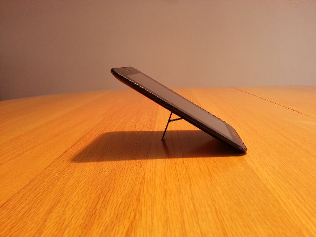 kickstand4u mobile kickstand with sure grip - Kickstarter Project-galaxy-tab-7-wks4u-640.jpg