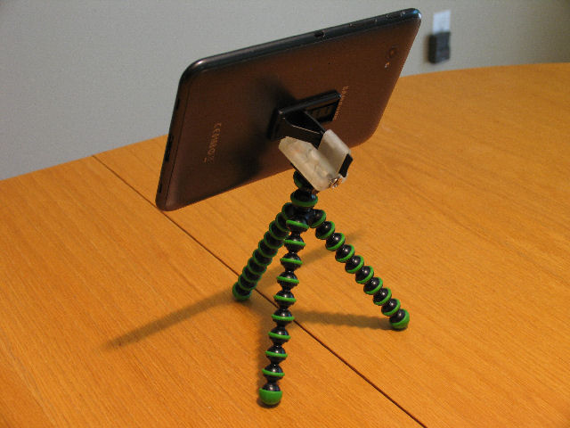kickstand4u mobile kickstand with sure grip - Kickstarter Project-ks4u-tripod-mount-2-640.jpg