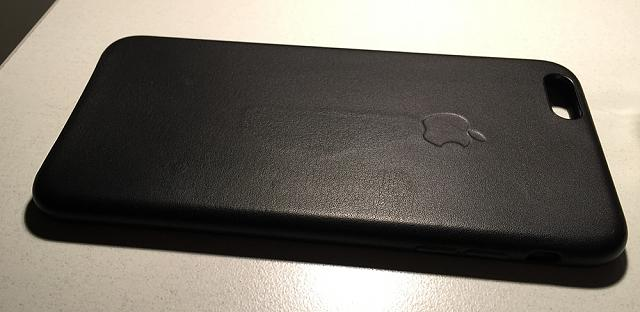 iPhone 6+ Official Leather Case Damage-img_0625_web.jpg