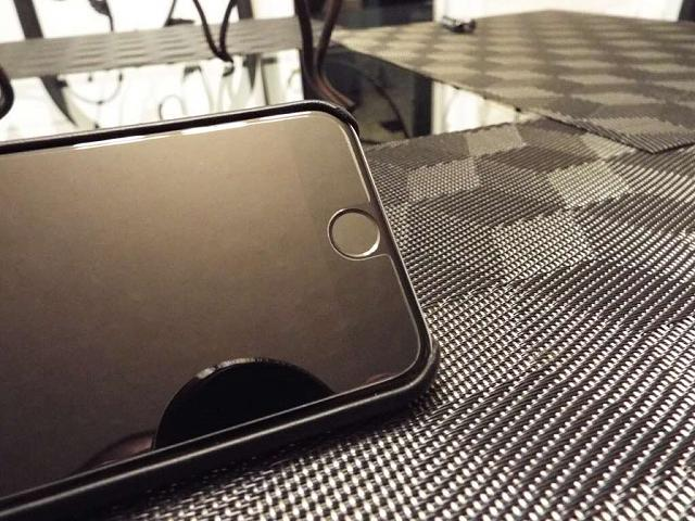 Question about Zagg Tempered Glass Screen Protectors for iPhone 6/6 Plus-imageuploadedbyimore-forums1442718809.186759.jpg