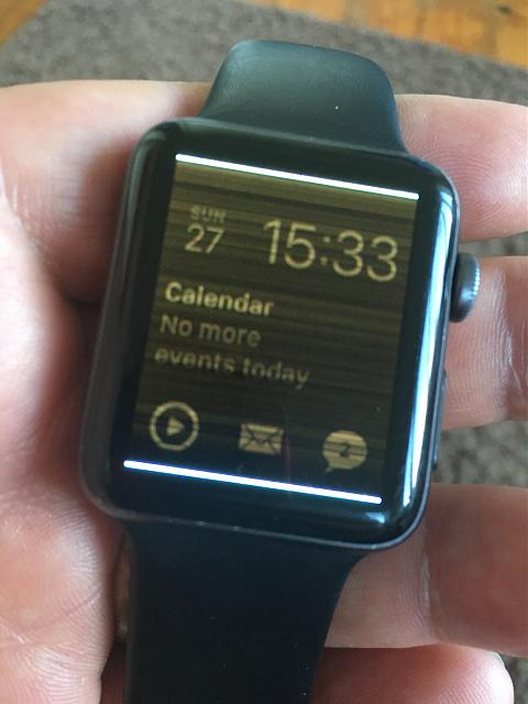 Apple Watch Screen suddenly has horizontal flickering lines-img_4316.jpeg