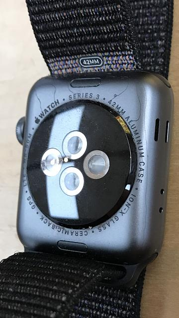 Cracked aluminum case on back of series 3 watch.-6883139b-e678-4abe-9804-35c253928405.jpg