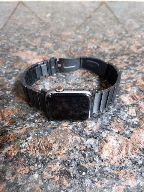 [REVIEW] Nomad Titanium Band for Apple Watch-20190223_153426.jpg