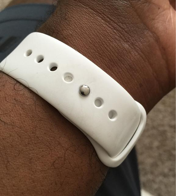 Sport band pin + table or Macbook = scratches?-imageuploadedbytapatalk1431963715.957143.jpg