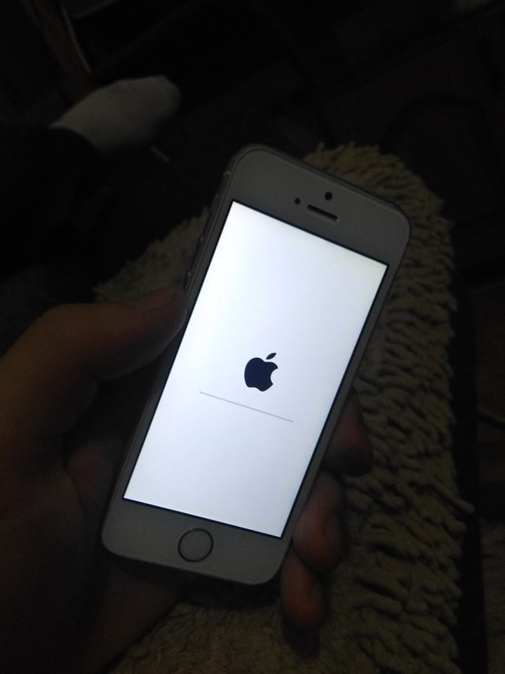 iphone 5s screen wont turn on iphone 5s won t turn on or either get in dfu mode or do 7953