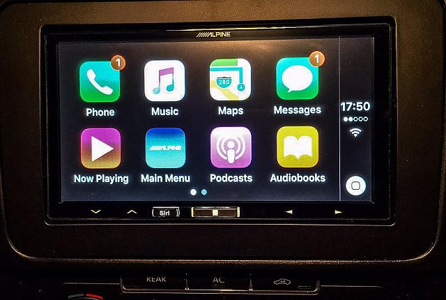 What is your personal experience with Apple CarPlay?-carplay_alpine.jpg
