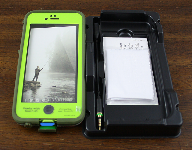 Review: LifeProof Frē REALTREE Xtra Lime Case for iPhone 6-lp3.png