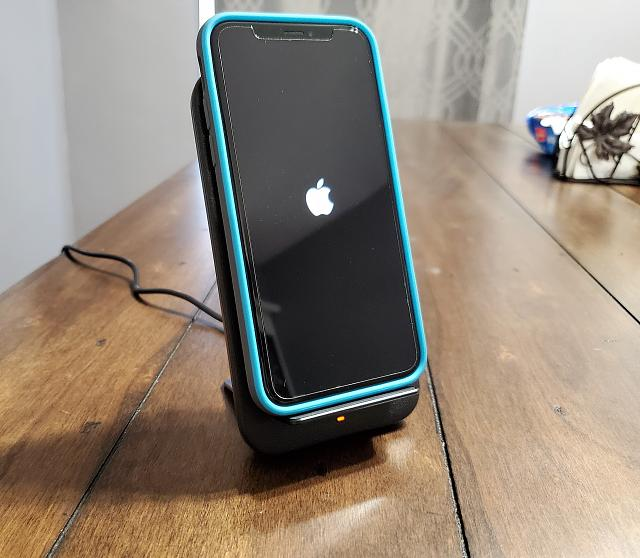 [REVIEW] Nomad Products Wireless Stand-20190629_105341.jpg