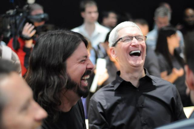 Caption Game: Tim Cook with Dave Grohl-tim-cook-dave-grohl.jpg