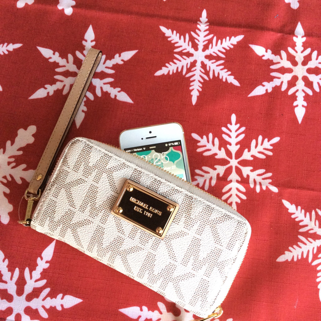 Apple Related Christmas Gifts!-imageuploadedbytapatalk1419687529.280638.jpg