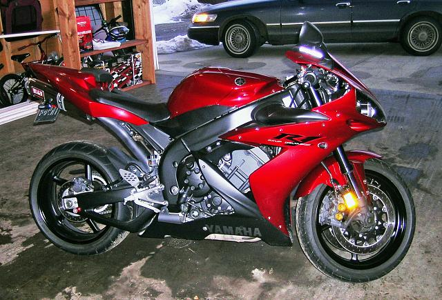 Show me your Motorcycle.-yamaha-r1_1.jpg