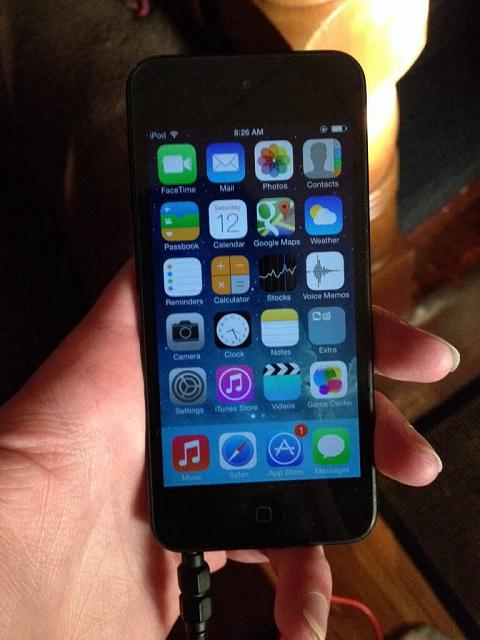Is it me or does Ios7 not look right on a black iphone 5S?-imageuploadedbytapatalk1381581016.618838.jpg
