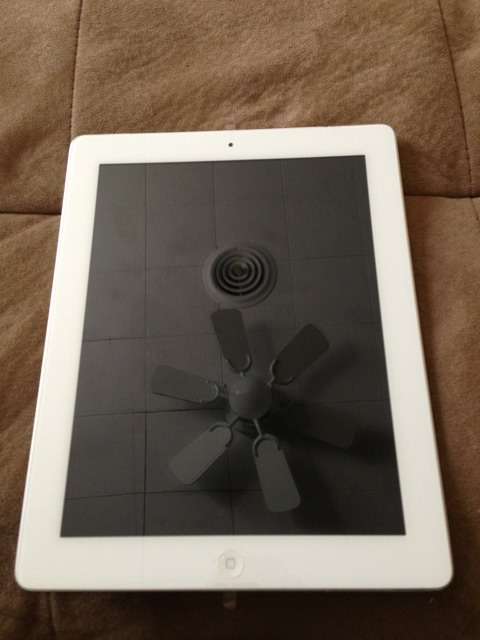 iPad 3 Cracked Screen-imageuploadedbytapatalk1365017424.300739.jpg