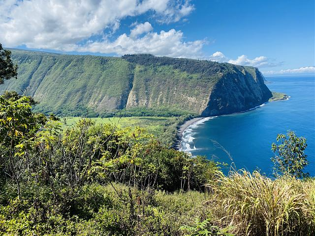 Let's see some pictures taken on your 11 Pro!!-waipio.jpg