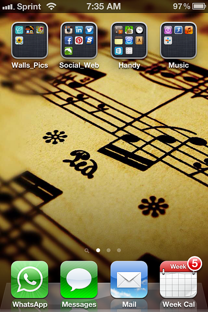 Show us your iPhone 4S home screen!-img_1890-1-.png