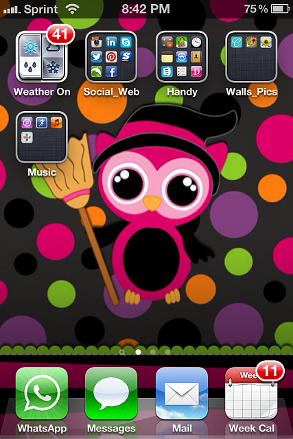 Show us your iPhone 4S home screen!-img_2043-1-.png