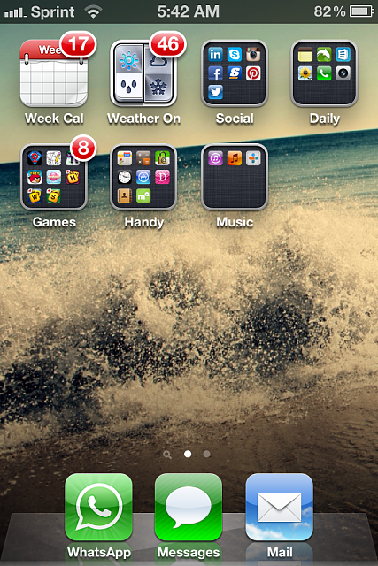 Show us your iPhone 4S home screen!-img_2107-1-.png