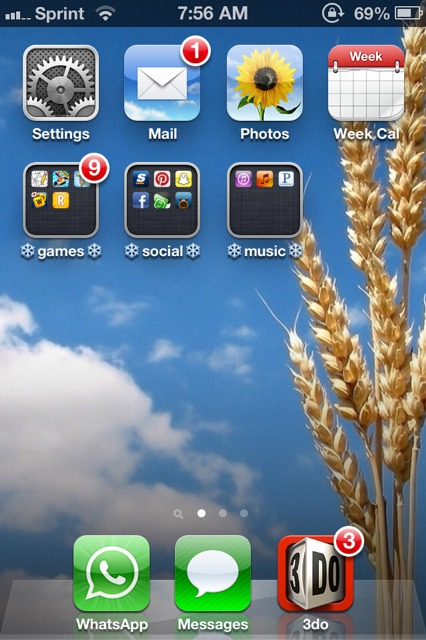 Show us your iPhone 4S home screen!-imageuploadedbyimore-forums1358258345.509254.jpg