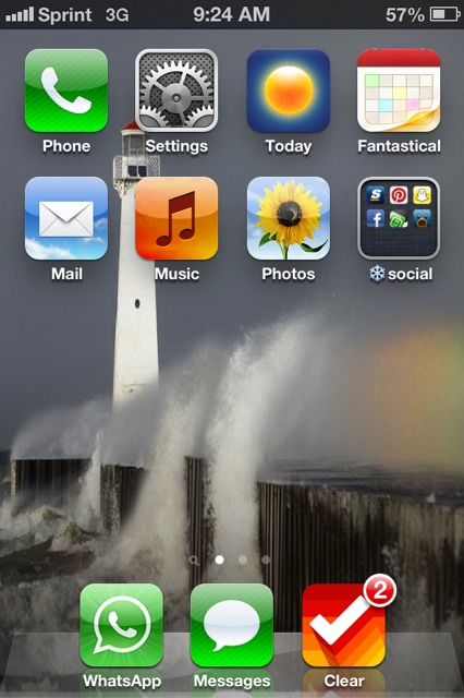 Show us your iPhone 4S home screen!-imageuploadedbyimore-forums1359116894.703037.jpg