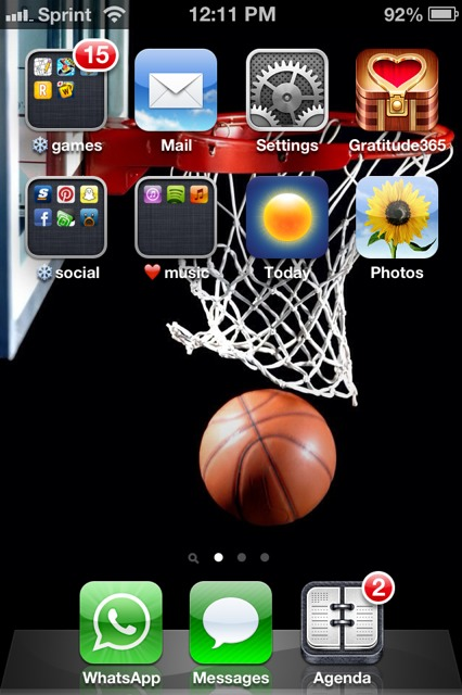 Show us your iPhone 4S home screen!-imageuploadedbyimore-forums1359829912.182562.jpg