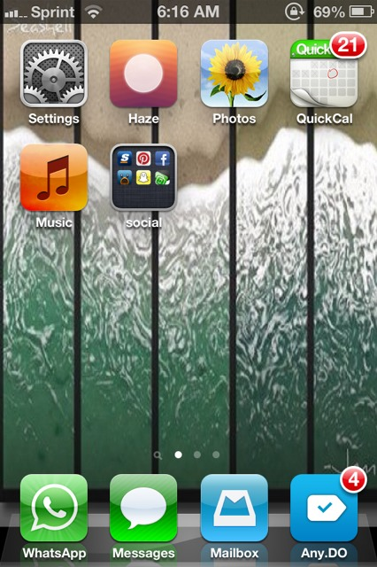 Show us your iPhone 4S home screen!-imageuploadedbyimore-forums1361535403.524626.jpg