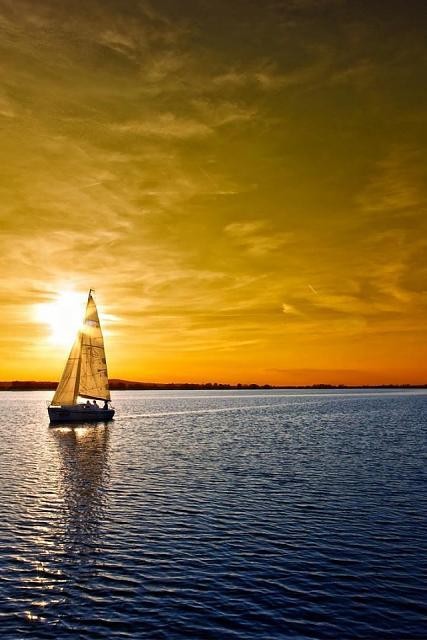 Show us your iPhone 4S home screen!-dusk-sea-boat-nature-sky-960x640.jpg