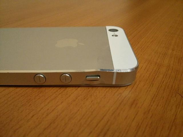 Broken iPhone 5 - will Apple replace it?-img_4985.jpg