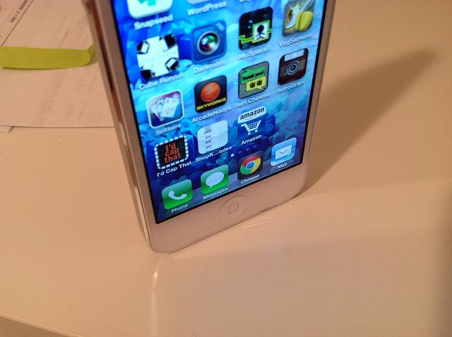 iPhone 5 battle damage: chips, dents, scratches, and more! [Photos]-dirt-02-iphone-5.jpg