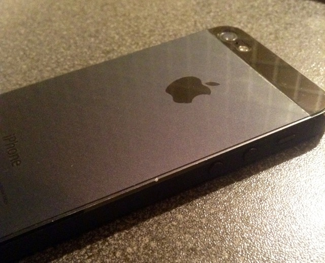 iPhone 5 battle damage: chips, dents, scratches, and more! [Photos]-imageuploadedbytapatalk1359238917.644351.jpg