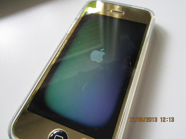 iPhone 5 Ebay display gets electrically charged? Please help!-img_2444.jpg