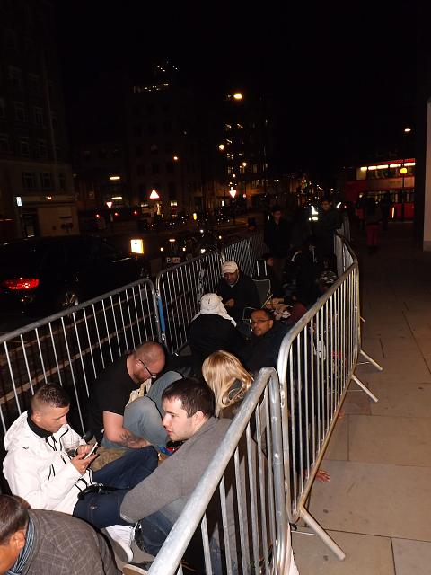 Official Waiting in line for an iPhone 5s Thread!-8.jpg