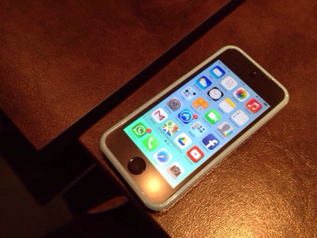 iPhone 5S Naked or in a case?-imageuploadedbyimore-forums1382079435.140530.jpg