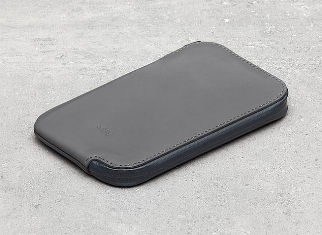 What case are you using for your iPhone 6 and 6 Plus?-1_bellroy-wedc-slate-texture-website-01.jpg