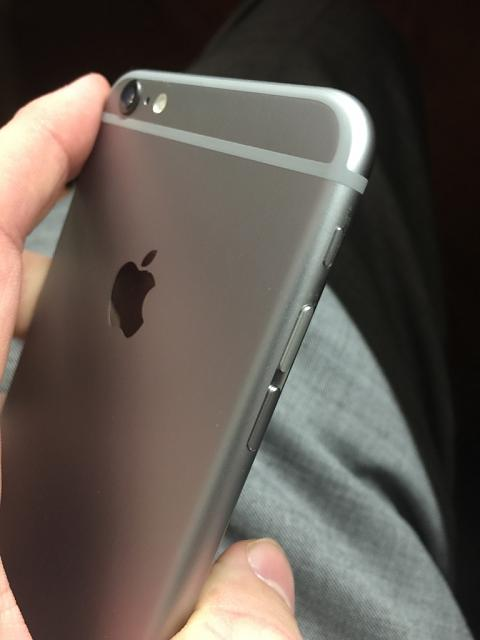 Space Gray iPhone 6+ with Silver Volume Button?-imageuploadedbyimore-forums1417740434.453490.jpg