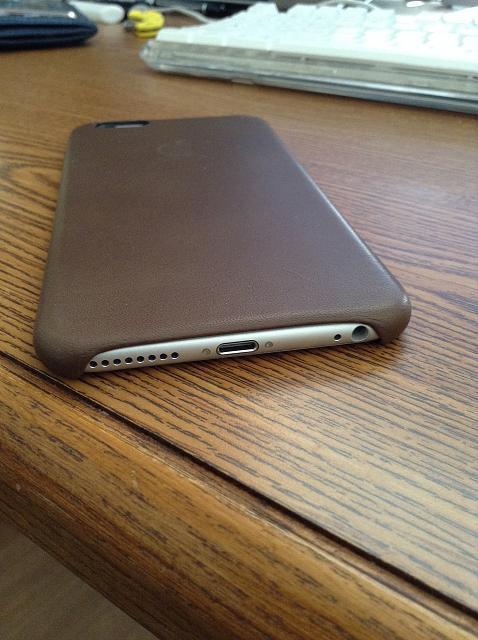 What case are you using for your iPhone 6 and 6 Plus?-2015-02-15-09.07.18.jpg