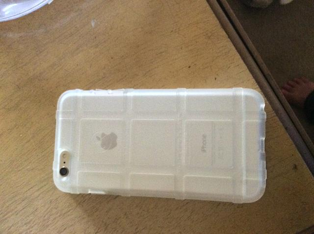 What case are you using for your iPhone 6 and 6 Plus?-img_0050.jpg