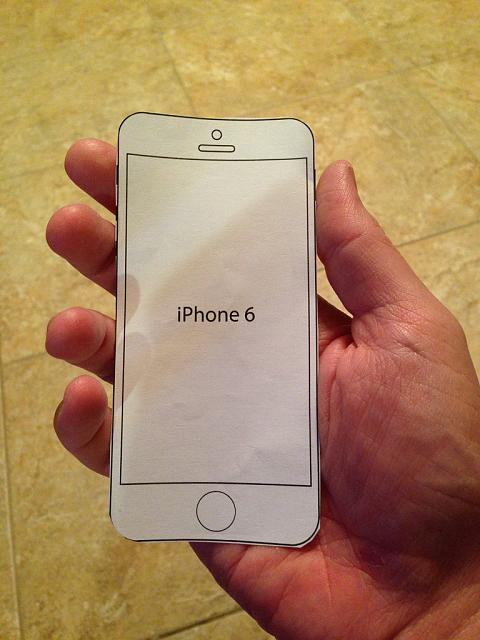iPhone 6 vs 6 plus-imageuploadedbyimore-forums1410398619.090444.jpg