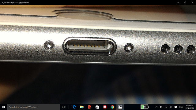 iphone 6s plus scuff or dust in lightning port-rsz_2016-07-18.png