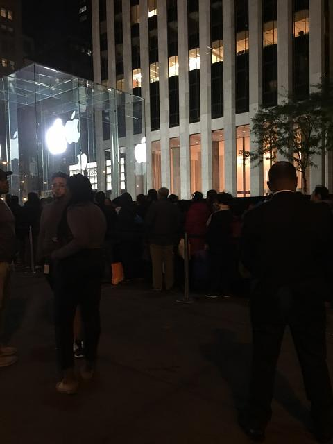 Apple Flagship Store 59th & 5th NYC-imoreappimg_20150925_003852.jpg