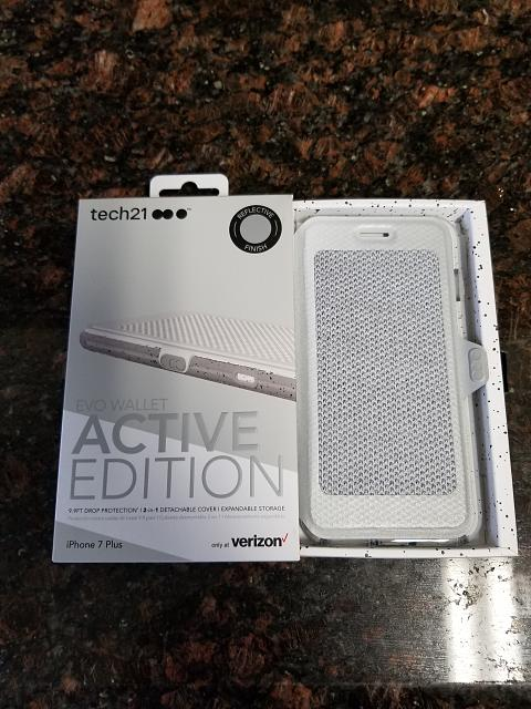 Tech21 Evo Wallet - Active Edition, for the iPhone 7/7+-20170819_110152.jpg