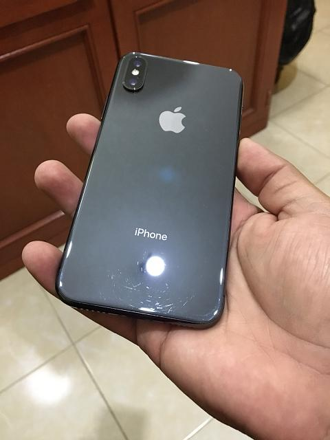 Who's using their iPhone X without a case?-img_0324.jpg