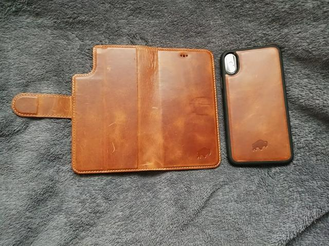 The best cases and accessories for iPhone X!-burkley-wallet-open.jpg