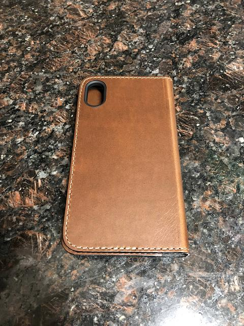 [REVIEW] Nomad Leather Folio for the iPhone X-8.jpg